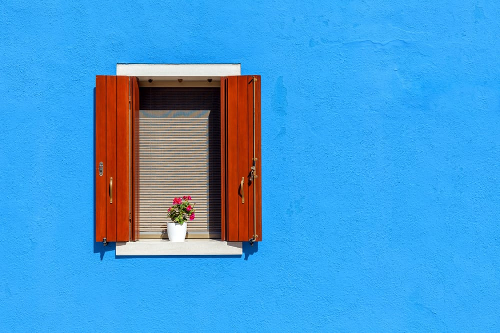 A Guide To Paint Vinyl Plastic And Wood Shutter Total